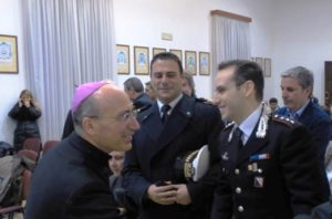 Il Vescovo Lagnese e il Capitano dei Carabinieri Centrella