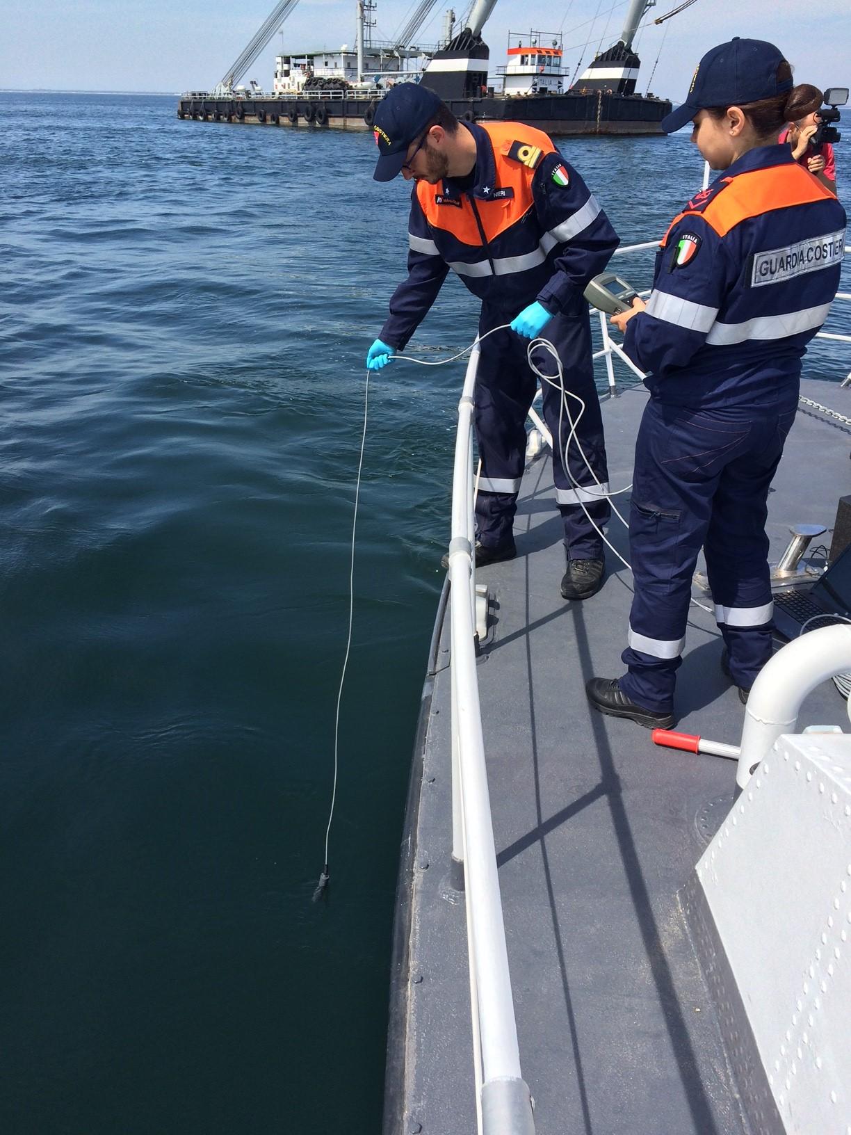 Photo of Analisi sugli scarichi, il laboratorio della Guardia Costiera ad Ischia