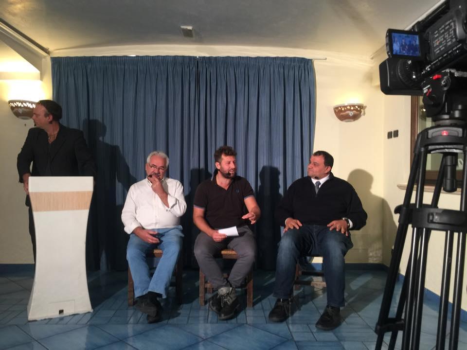 Photo of L'isola e l'allarme Naspi, stasera dibattito su Isolaverde TV
