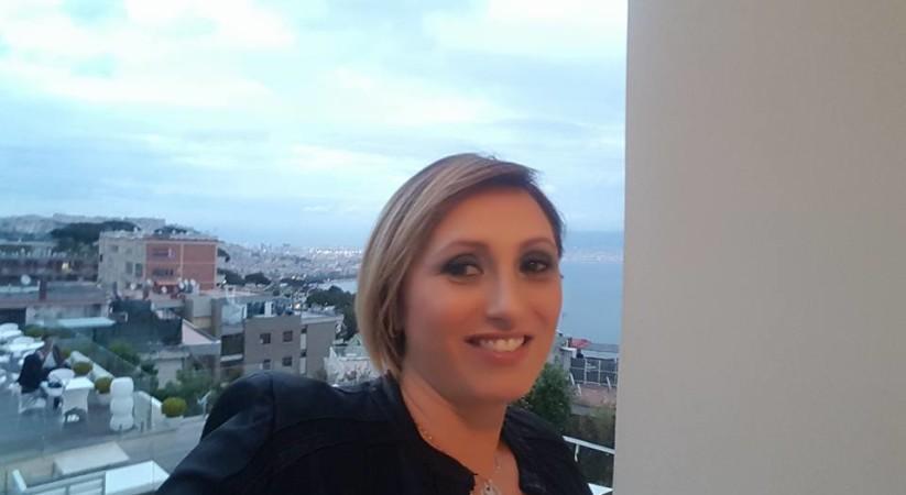 """<span class=""""entry-title-primary"""">«Cerco l'uomo che mi ha salvato la vita a Ischia», appello di una giovane mamma su Fb</span> <span class=""""entry-subtitle"""">Lei si chiama Maria Ercolani , napoletana . Il suo """"angelo salvatore"""" è un medico. Il fatto è accaduto 30 anni fa, il giorno della festa di Sant'Anna.</span>"""