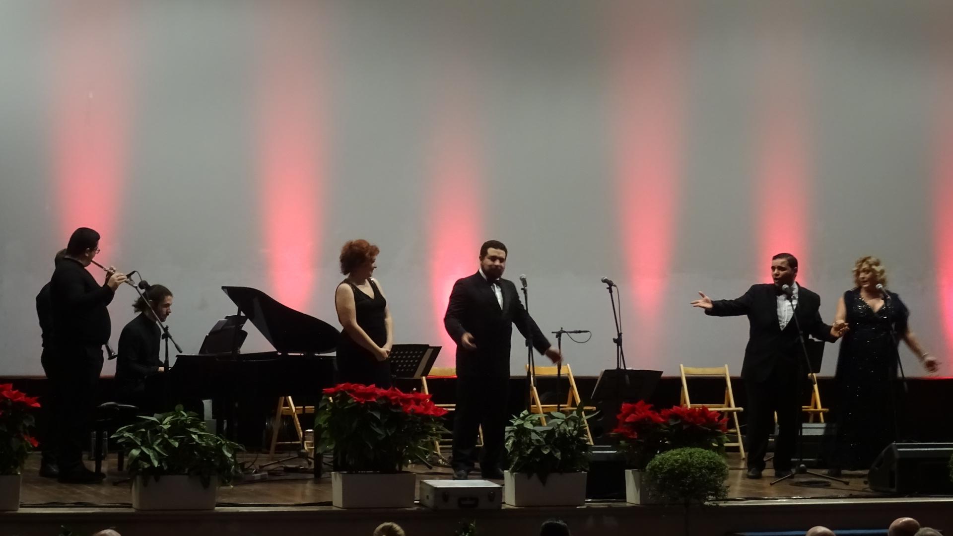 Photo of Gran pienone per il concerto di Capodanno al cineteatro Excelsior