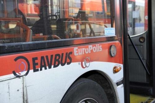 """Photo of """"Prendi il bus"""", ecco l'iniziativa di Comune e Eav per la Notte Bianca"""