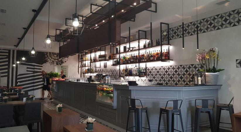 """<span class=""""entry-title-primary"""">Musica, aperitivi e bollicine: nella piazza di Casamicciola nasce 'Unico' champagneria e lounge bar</span> <span class=""""entry-subtitle"""">Stasera dalle 18.30 l'inaugurazione nel nuovo locale dell'imprenditore Vito Del Deo, patron dei negozi 'Strada facendo'</span>"""