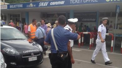 «Nonna, anticipa i soldi»: truffatore seriale di anziani arrestato a Ischia