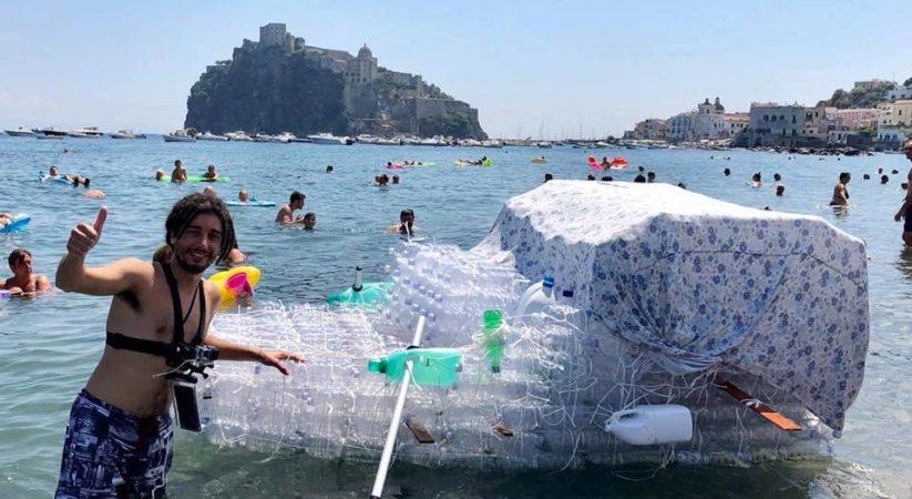 """<span class=""""entry-title-primary"""">In mare con una barca da mille bottiglie di plastica, l'avventura di Raffaele Imbò</span> <span class=""""entry-subtitle"""">Un anno per raccogliere le bottiglie e venti giorni per costruire questa particolare imbarcazione: presto un giro dell'isola e il video racconto dell'impresa</span>"""