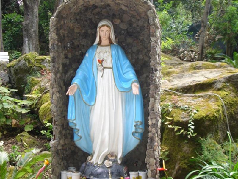 Photo of Zaro, Crocifisso in mille pezzi: i fedeli gridano al gesto sacrilego