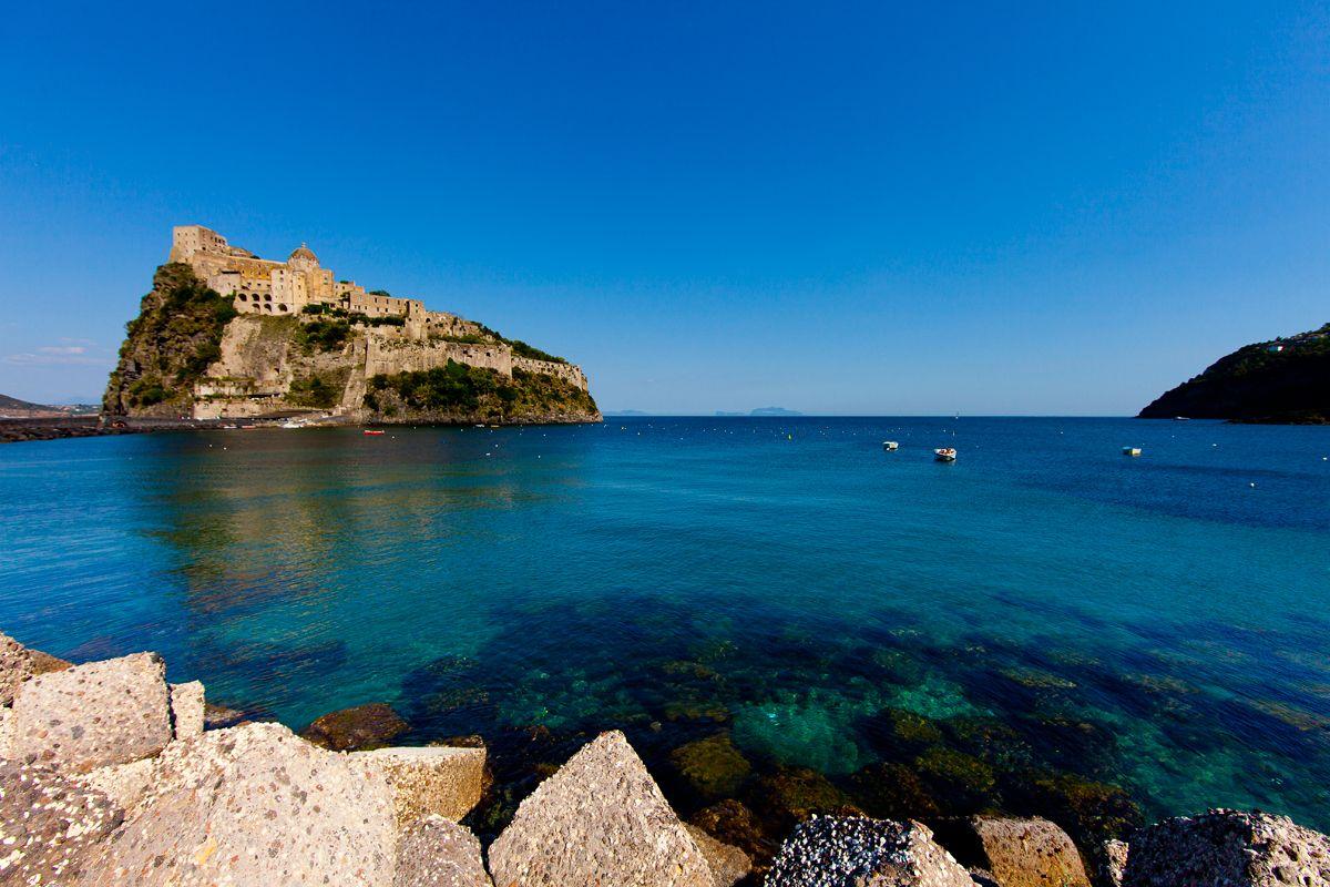 """Ischia, che colpo: tra le mete da visitare nel 2019 secondo """"Travel & Leasure"""""""