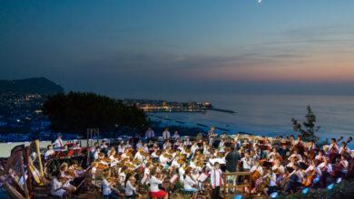"""Photo of Concerti al Teatro Greco e visite notturne sensoriali, entra nel vivo il cartellone estivo dei Giardini 'La Mortella"""""""