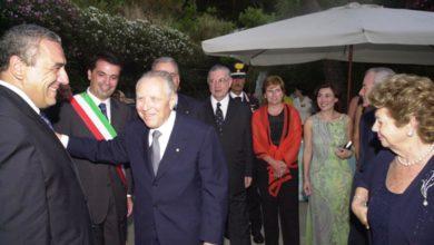 Photo of Grazie al presidente Ciampi  oggi amiamo di più la bandiera del nostro paese