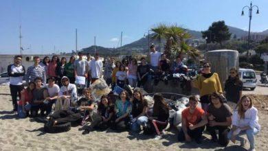 Photo of Plasticless oggi in azione alla Chiaia