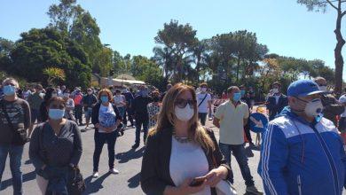 Photo of Gli stagionali tornano in piazza: «traditi dalla politica»