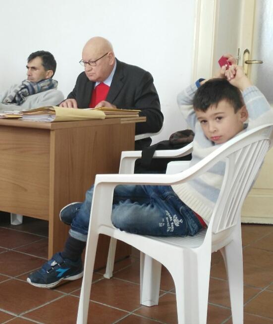 Domenico Savio col nipotino Simone nel Consiglio comunale di Forio.