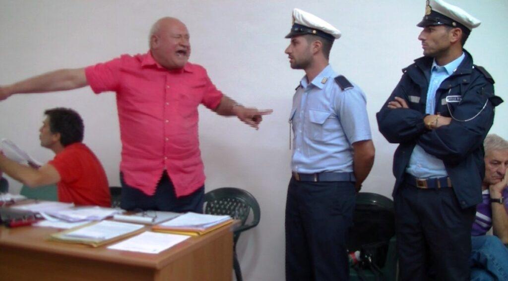 Domenico Savio in Cosiglio comunale affiancato dai Vigili, non riuscirono a portarlo via dalla sala consiliare