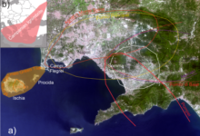 L'area napoletana con i suoi tre vulcani, Campi Flegrei, Ischia, Procida e Somma-Vesuvio e la distribuzione areale delle principali eruzioni esplosive (fonte foto sito Ingv)