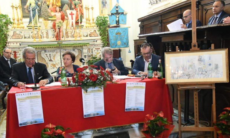 IL CONVEGNO DUL TURISMO RELIGIOSO PROMOSSO DAL SINDACO FRANCESCO DEL DEO TENUTOSI IN UNA CHIESA DI FORIO