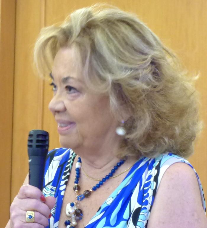LA PROF.SSA LUCIA D'AMICO